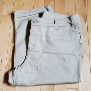 COPY - St. John's Bay Khaki Capri Pants Women's S…